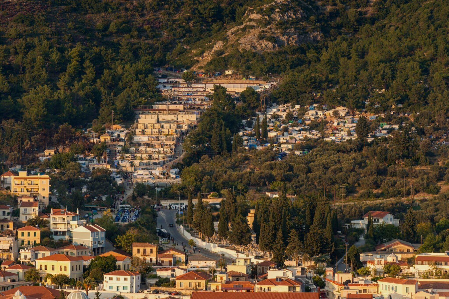 crisis greek refugees